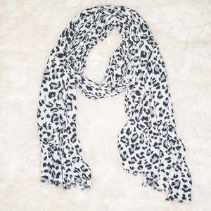 Leopard Aerie Scarf 🐾